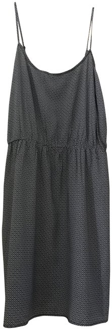 Preload https://img-static.tradesy.com/item/23201662/old-navy-black-and-white-short-casual-dress-size-16-xl-plus-0x-0-1-650-650.jpg