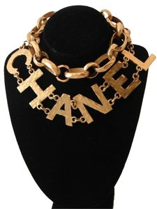 CHANEL VINTAGE CHANEL HAMMERED LOGO NECKLACE / BELT