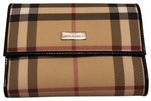 Burberry London Functional Wallet with coin pocket