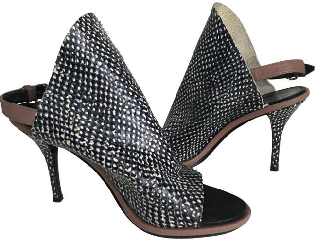Item - Black/White Snake-skin Pumps Size EU 36 (Approx. US 6) Narrow (Aa, N)