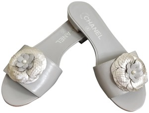 dd0f59c842ad Chanel Camellia Sandals - Up to 70% off at Tradesy (Page 6)