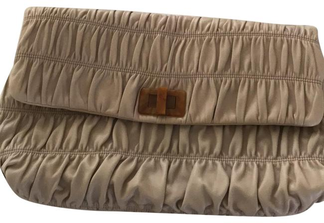 Item - Gaufre Giant Beige Lether Clutch