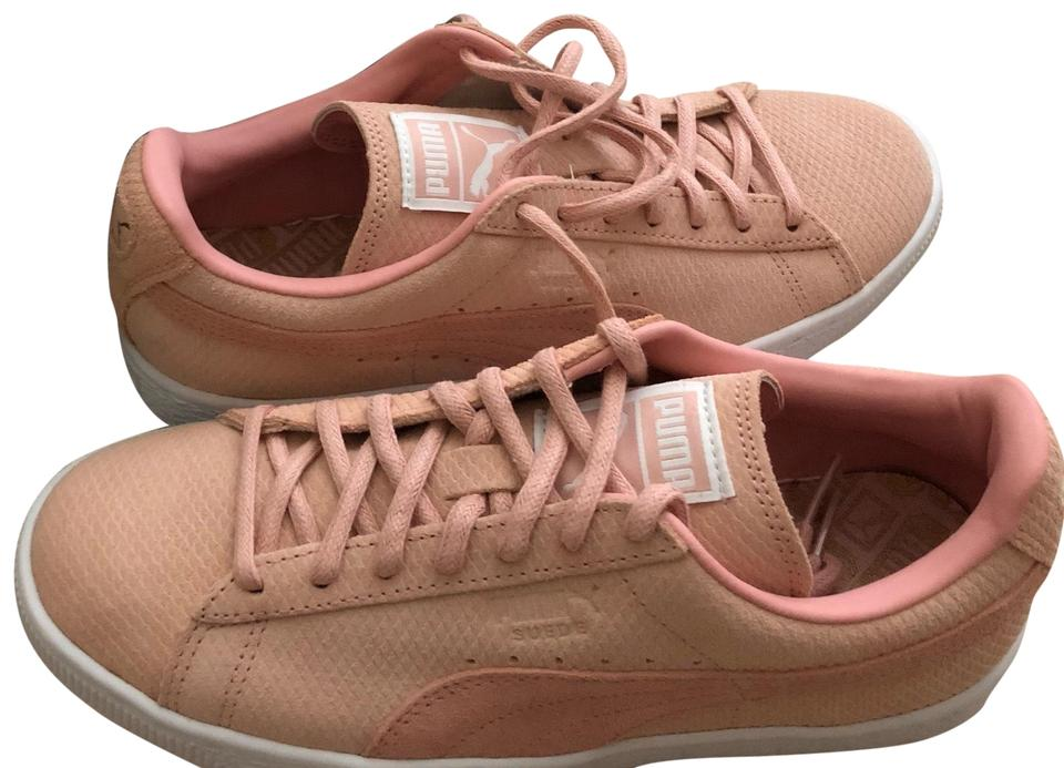 pas mal 0a428 cea87 Puma Pastel Pink Suede Classic Lo Sneakers Size US 7.5 Regular (M, B) 54%  off retail