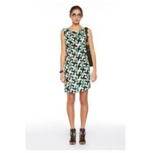 422d71ad19 Green Diane von Furstenberg Clothing - Up to 70% off a Tradesy (Page 3)