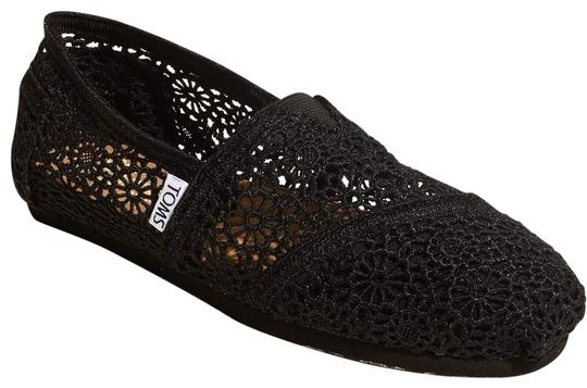 Preload https://img-static.tradesy.com/item/23209032/toms-black-classic-moroccan-crochet-slip-on-flats-size-us-5-regular-m-b-0-1-540-540.jpg