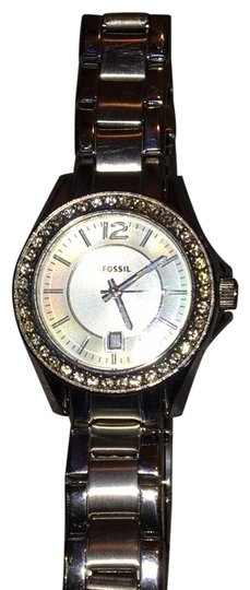 Preload https://img-static.tradesy.com/item/23209249/fossil-stainless-steel-women-s-needs-battery-other-than-that-works-just-fine-prices-are-negotiable-w-0-6-540-540.jpg