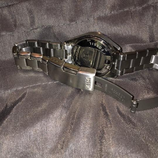 Fossil Women's Fossil stainless steel watch. NEEDS BATTERY!!!!! Other than that works just fine. Prices are negotiable Image 4