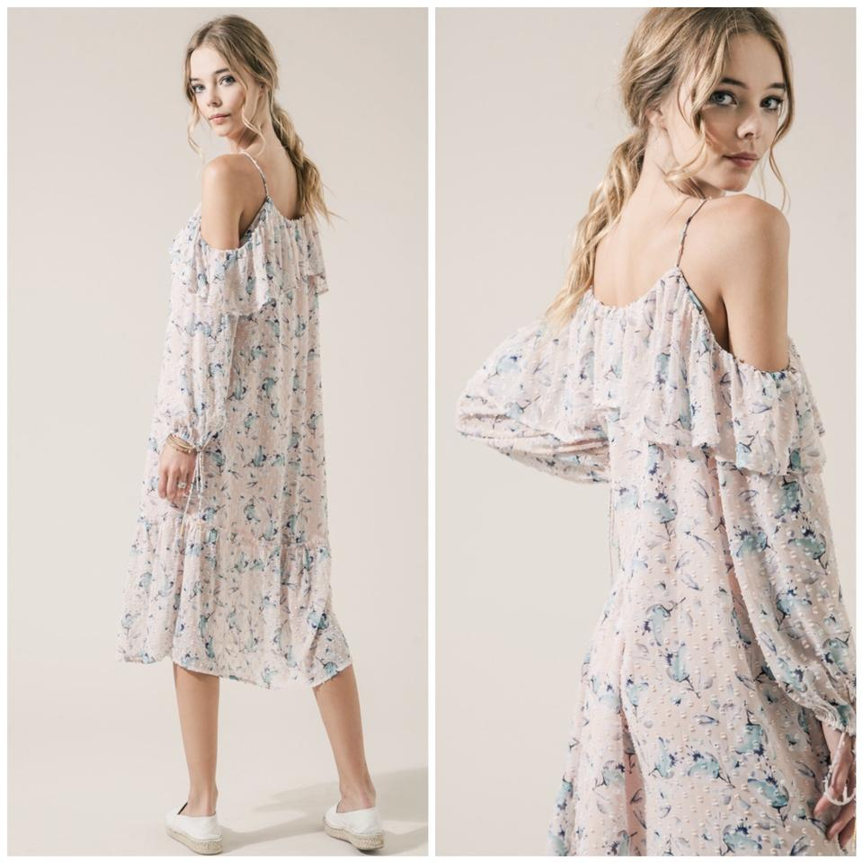 821537dffc3 Pink Floral Cold-shoulder Chiffon Long Casual Maxi Dress Size 14 (L) -  Tradesy