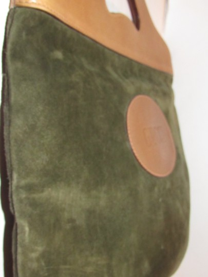 Gucci Mint Vintage Rare Early High-end Bohemian Or Clutch Great For Everyday Tote in olive green suede and camel leather Image 10