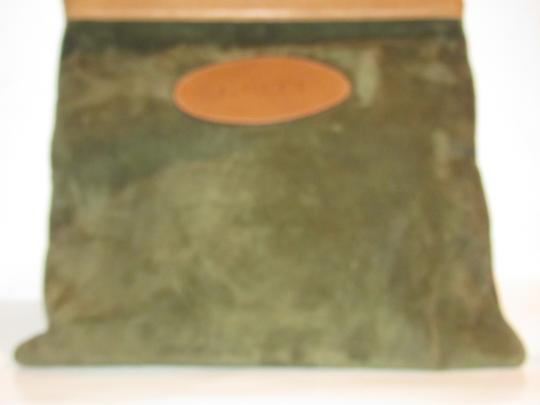 Gucci Mint Vintage Rare Early High-end Bohemian Or Clutch Great For Everyday Tote in olive green suede and camel leather Image 11