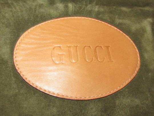 Gucci Mint Vintage Rare Early High-end Bohemian Or Clutch Great For Everyday Tote in olive green suede and camel leather Image 2