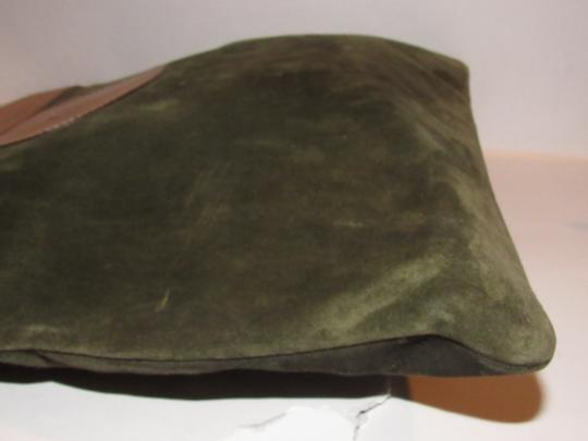 Gucci Mint Vintage Rare Early High-end Bohemian Or Clutch Great For Everyday Tote in olive green suede and camel leather Image 8