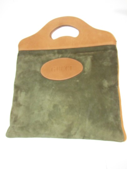 Gucci Mint Vintage Rare Early High-end Bohemian Or Clutch Great For Everyday Tote in olive green suede and camel leather Image 9