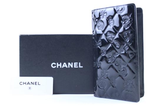 Chanel Bifold Quilted Caviar Enamel Limited Edition Black Clutch Image 1