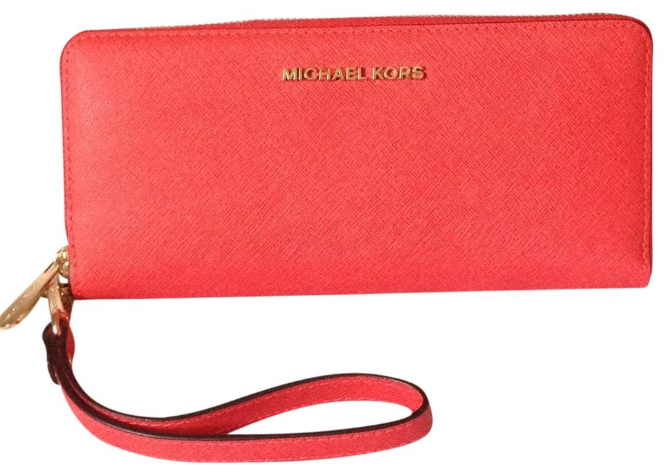 9205448ccd6985 Michael Kors Coral Reef Jet Set Travel Continental Wallet - Tradesy