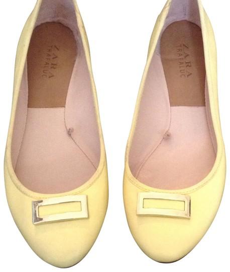Preload https://img-static.tradesy.com/item/23211329/zara-yellow-trafaluc-flats-size-us-7-regular-m-b-0-1-540-540.jpg