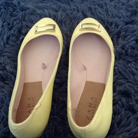 Zara yellow Flats