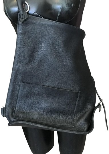 Preload https://img-static.tradesy.com/item/23211391/hand-made-black-leather-cross-body-bag-0-1-540-540.jpg
