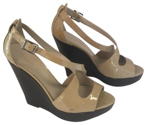 Burberry taupe Wedges