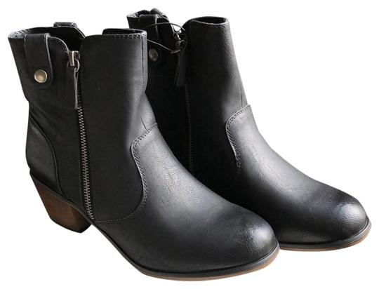 Preload https://img-static.tradesy.com/item/23212110/mossimo-supply-co-black-char-096101873-bootsbooties-size-us-8-regular-m-b-0-1-540-540.jpg