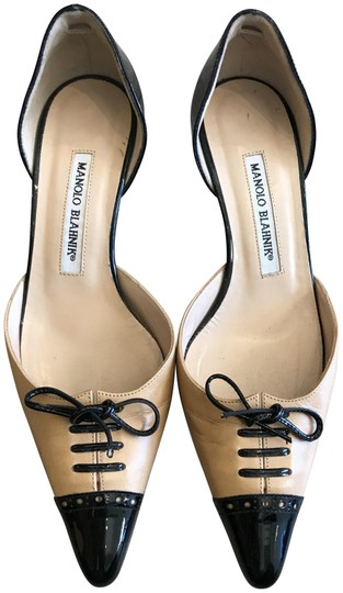Preload https://img-static.tradesy.com/item/23212126/manolo-blahnik-cream-and-black-two-tone-pumps-size-eu-365-approx-us-65-regular-m-b-0-1-540-540.jpg
