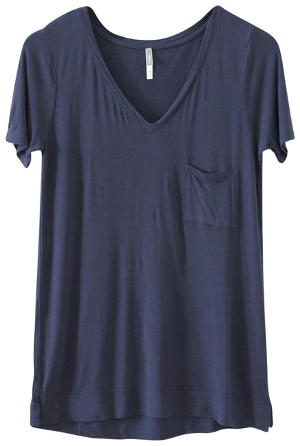 Preload https://img-static.tradesy.com/item/23212687/gap-navy-pure-perfect-v-neck-tee-shirt-size-4-s-0-1-650-650.jpg
