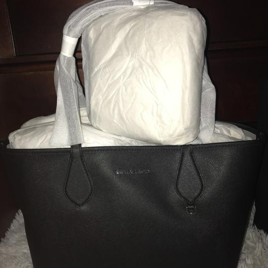 Michael Kors Tote in Black/ Grey