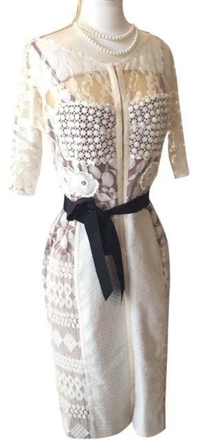 Item - Ivory Lace Mid-length Formal Dress Size Petite 6 (S)