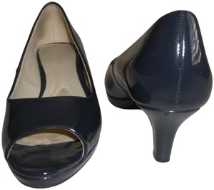 Naturalizer Patent Hanning Peep Toe Navy Blue Pumps