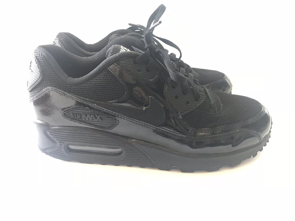 Nike Black Air Max Sneakers. Size  US 8.5 Regular (M ... 63148901e