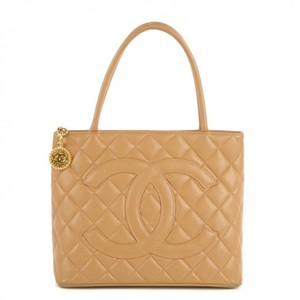 Chanel Medallion Caviar Vintage Tote in Beige