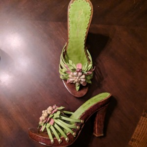 Diego di Lucca Leather High Heels Sandals Green With Embellishment Pumps