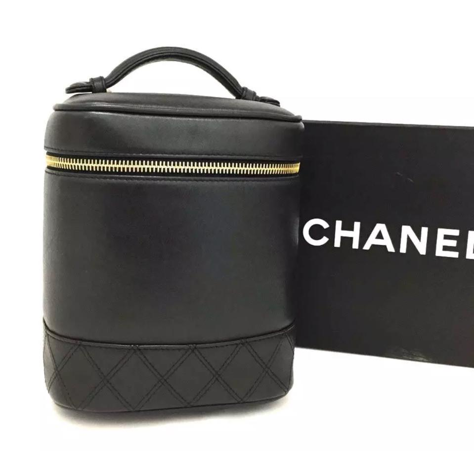 8b6c23da45efca Chanel Makeup Vanity Case Quilted Black Lambskin Leather Weekend ...