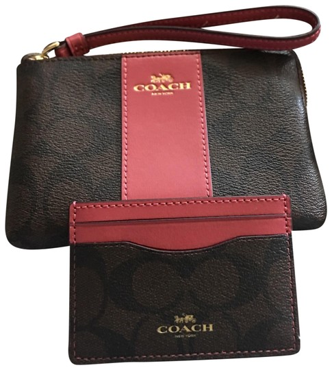 Preload https://img-static.tradesy.com/item/23215345/coach-corner-zip-wristlet-and-mini-wallet-bundle-clutch-0-1-540-540.jpg