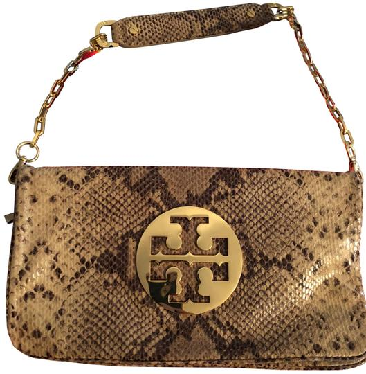 Preload https://img-static.tradesy.com/item/23215518/tory-burch-print-clutch-beige-and-black-snakeskin-leather-shoulder-bag-0-2-540-540.jpg