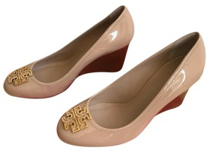 Tory Burch Tory Beige / Gold Wedges