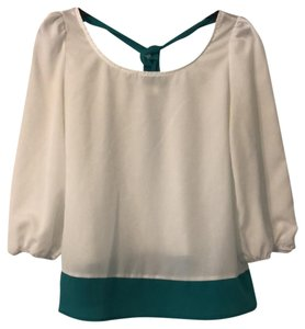 Misope Top White with Green