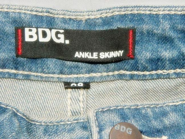 BDG Urban Outfitters Kelly Stretch Ankle Length Skinny Jeans-Light Wash Image 4