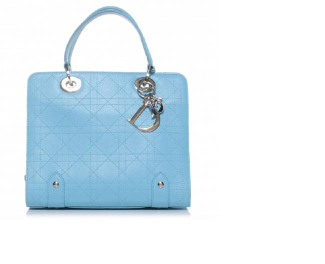 Item - Lady Cannage Stitched Soft Small Handbag Blue Leather Tote