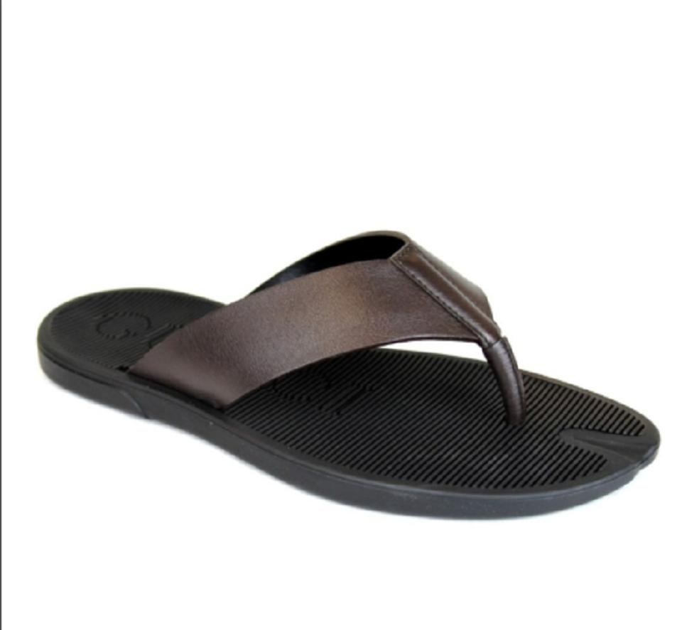 8d974a86a940ea Gucci Brown Men s Leather Flip-flop Thong Sandals 7g   Us 7.5 338784 2019  Shoes ...