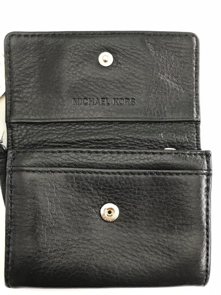 d36eb1866419bb Michael Kors Leather Card Holder with Key Ring Image 11. 123456789101112