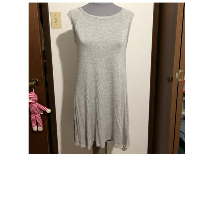 Preload https://img-static.tradesy.com/item/23219493/forever-21-grey-short-casual-dress-size-4-s-0-0-650-650.jpg