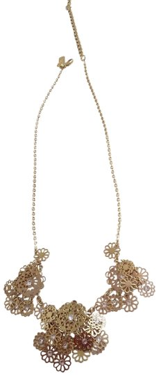 Preload https://img-static.tradesy.com/item/23219724/kate-spade-gold-new-flower-necklace-0-1-540-540.jpg