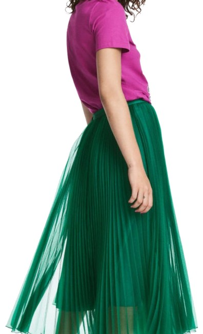 Preload https://img-static.tradesy.com/item/23220445/h-and-m-pleated-with-tulle-and-satin-belt-skirt-size-8-m-29-30-0-1-650-650.jpg