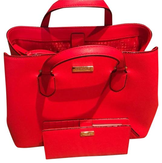 Preload https://img-static.tradesy.com/item/23220462/kate-spade-bold-and-red-leather-satchel-0-1-540-540.jpg