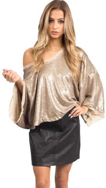 Preload https://img-static.tradesy.com/item/23220785/free-people-champagne-dreams-sequin-crop-night-out-top-size-6-s-0-5-650-650.jpg