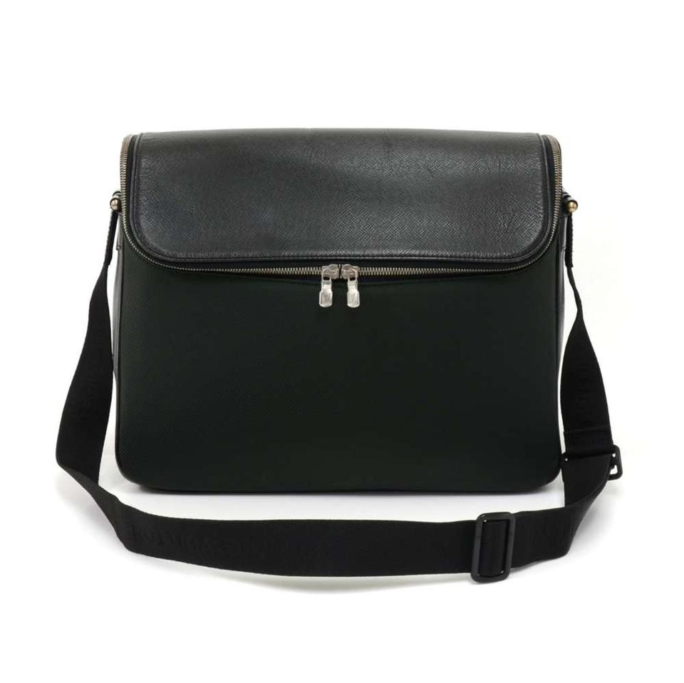 799c8f347f5f Louis Vuitton Taiga Leather Black Messenger Bag Image 0 ...
