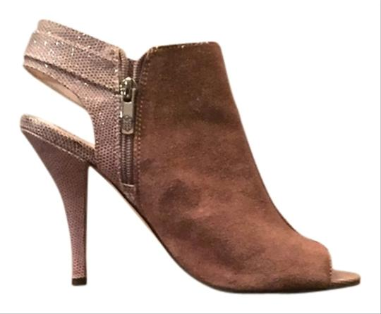 Vince Camuto Taupe with Pink trim and Silver details Pumps