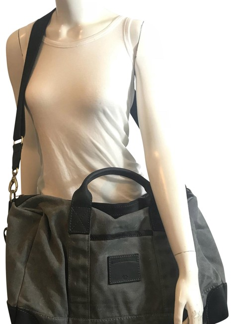 Item - Duffle 81318 Nwd Cross Body Strap Gray Canvas Weekend/Travel Bag