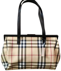 09fc2286691b Burberry Bags and Purses on Sale - Up to 70% off at Tradesy (Page 6)